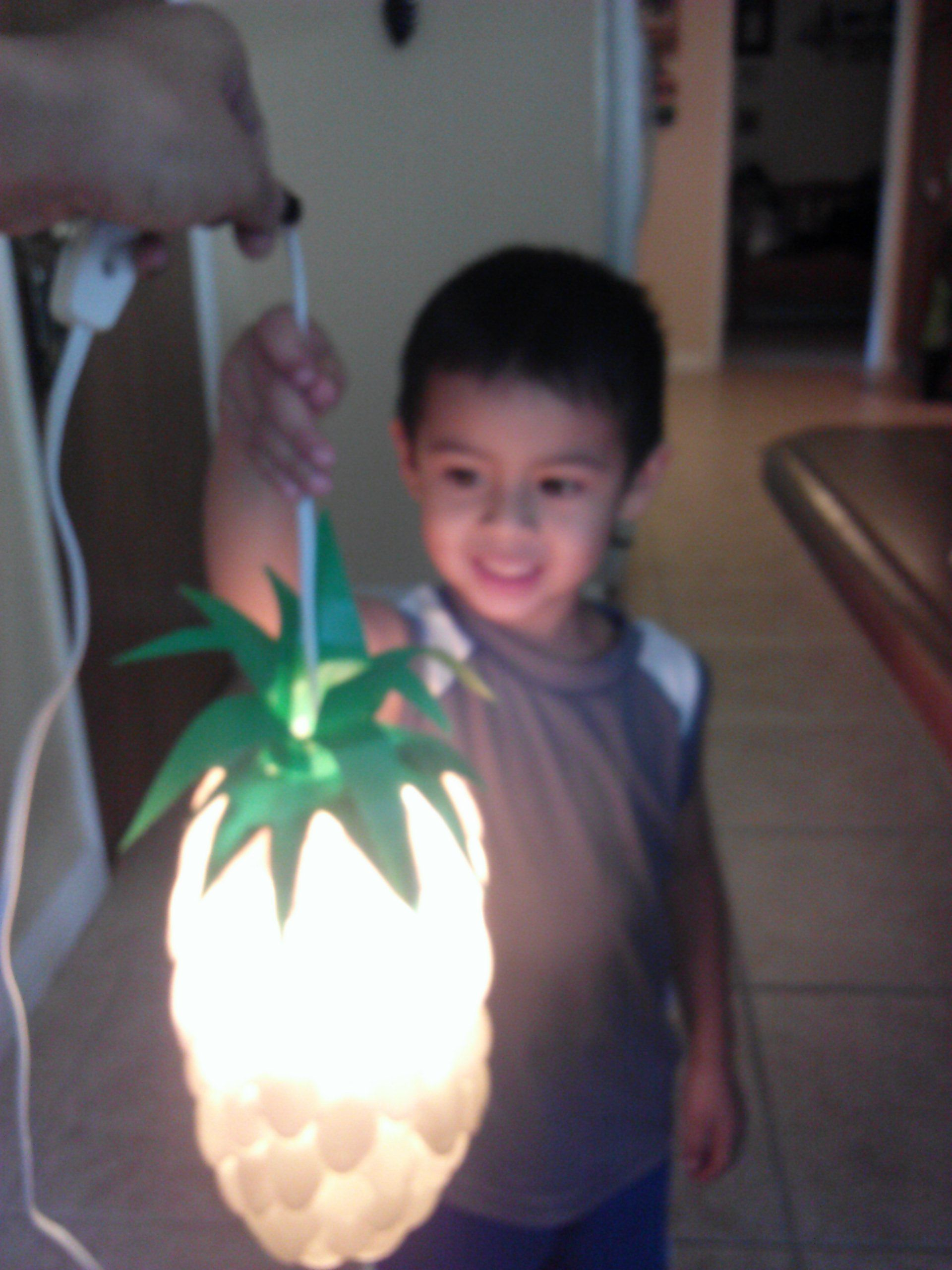 Pineapple spoon lamp made with a hot glue gun plastic