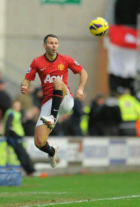 73be5eea01a Ryan Giggs, only player to score in all 21 English Premier League seasons,  legend you say???