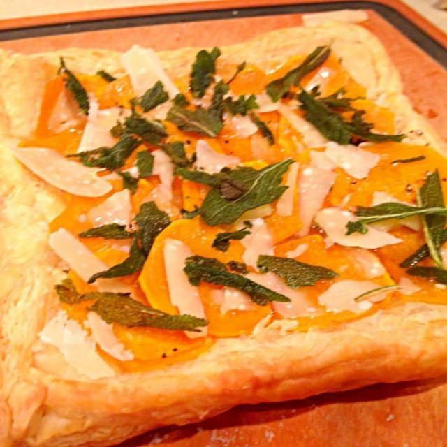 レシピとお料理がひらめくSnapDish - 9件のもぐもぐ - squash, chilli pepper & fried sage tart by Matthew Cashen