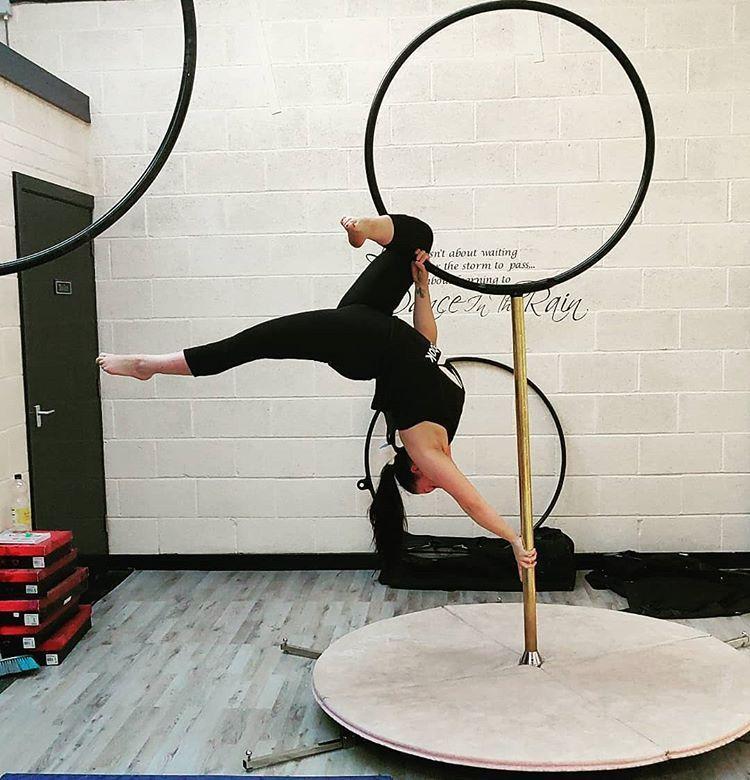 #fitnesslife #fitnessgirlmotivation #aerial  #aerialcircus #circuseverydamnday #fitness #fitnessgirl...