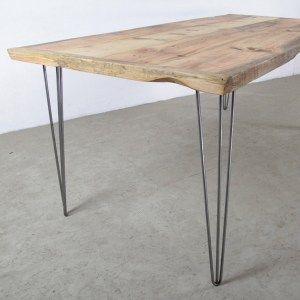 Tavolo da cucina top in legno massello e gambe in ferro for Tavoli per cucina in legno