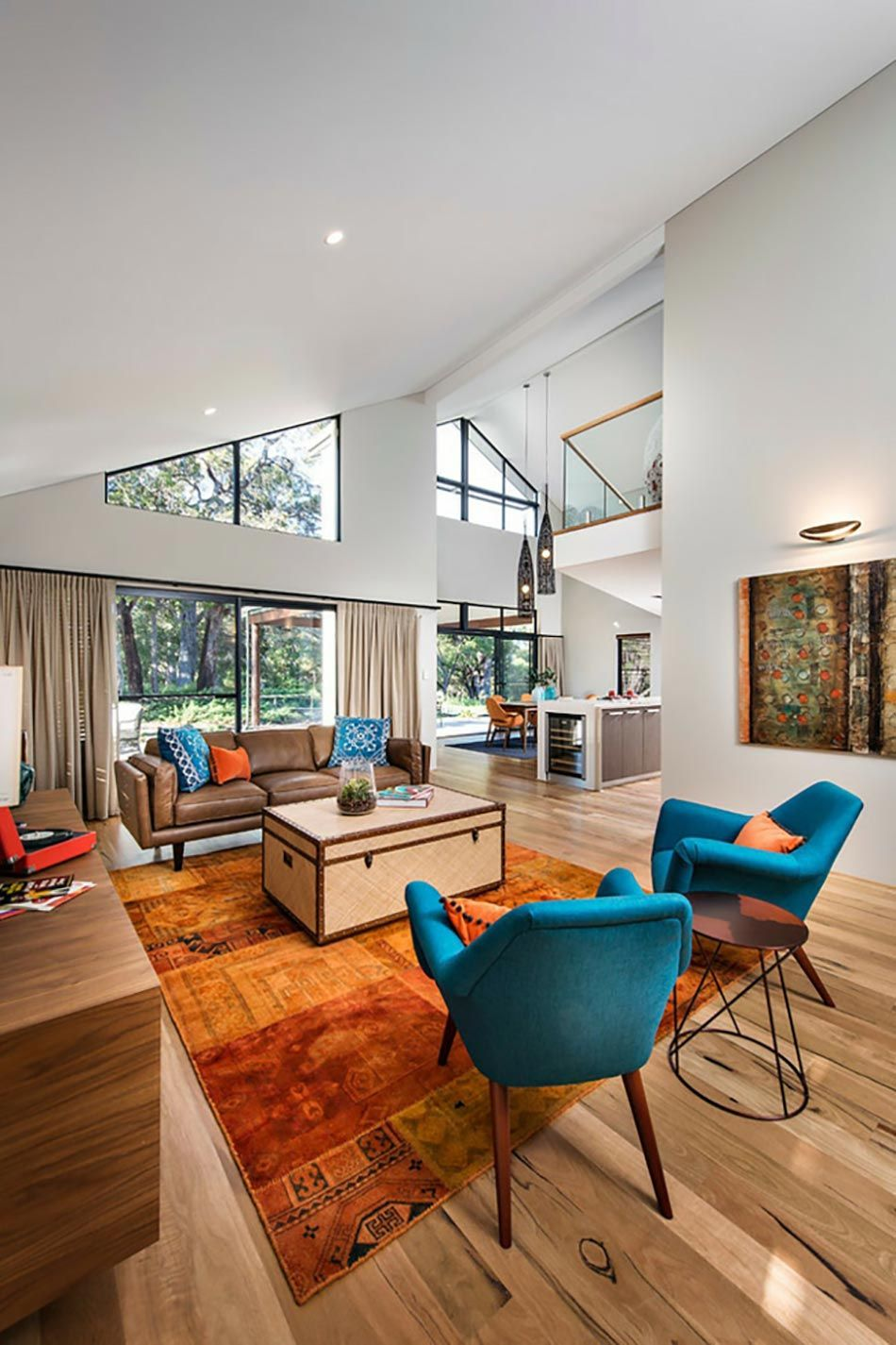 Design Stay The Eternal Play Of Light And Space Header Citizenm Garede Delyon Nimbatus Hote Moderne Häuser Mit Satteldach Modernes Haus Innenarchitektur