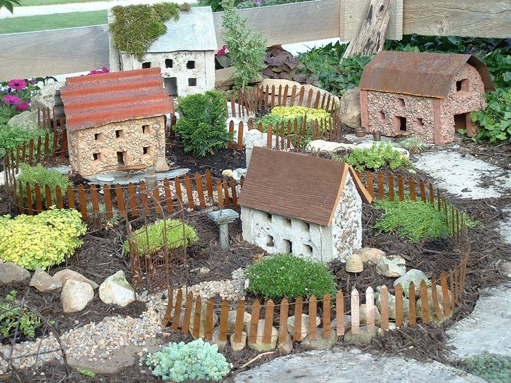 Attractive Tiny Scale Houses For Miniature Garden