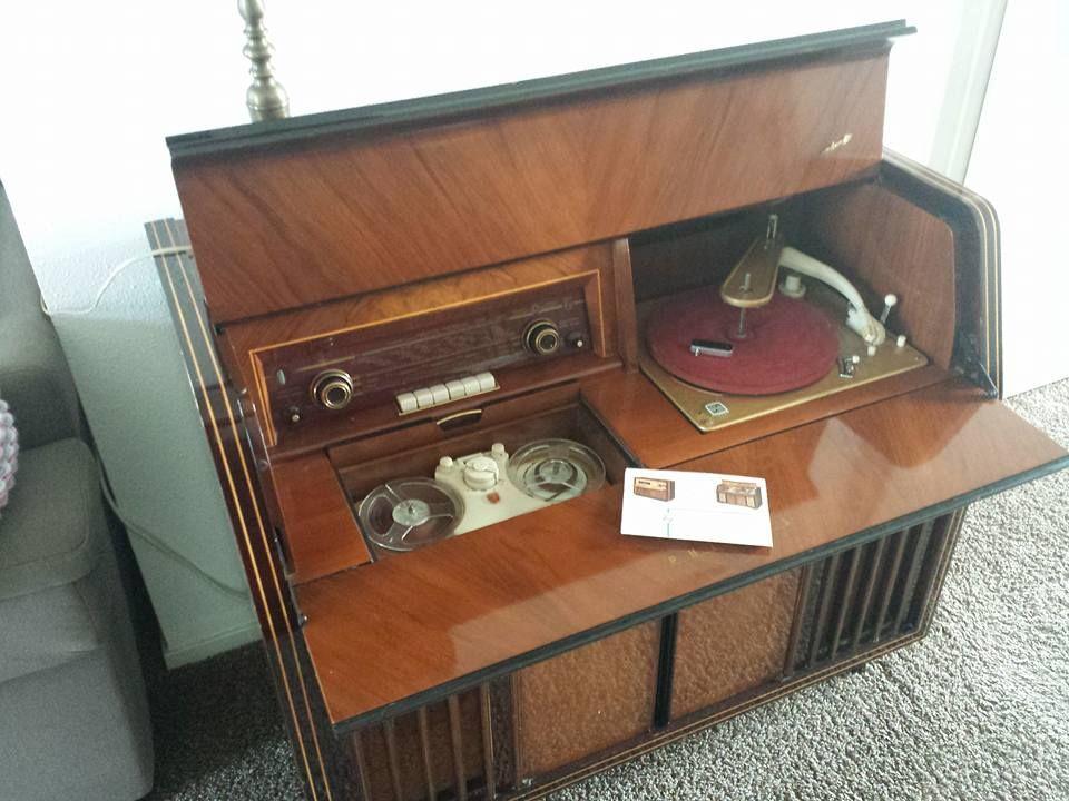 Philips FX744A uit 1955. Nieuwprijs in 1955 1800 guldens