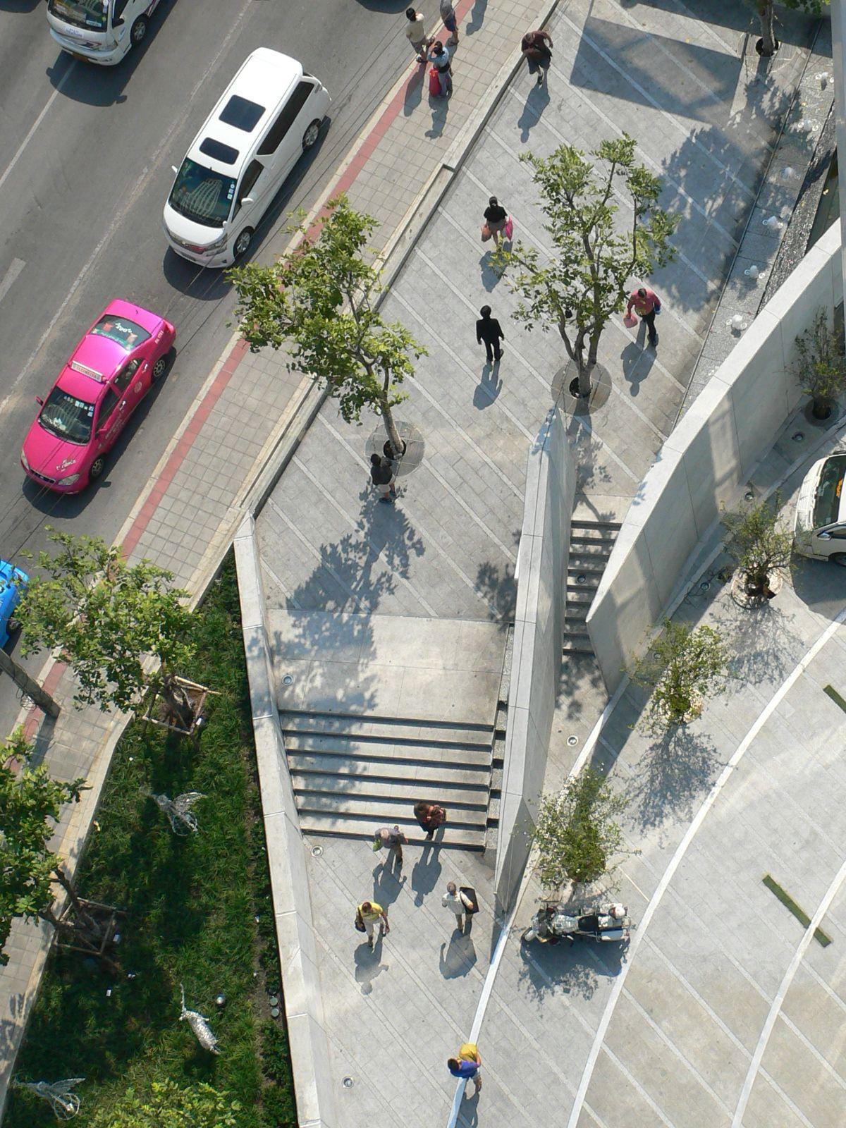 Streetscape To The North Of Hickory Click To Close: Urban Streetscape And Entrance Of Novotel Bangkok Platinum