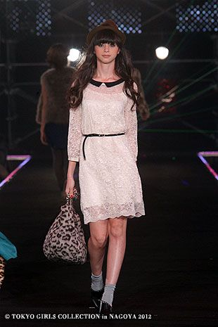 URBAN RESEARCH | Tokyo Girls Collection 2012  ( Japanese Fashion )