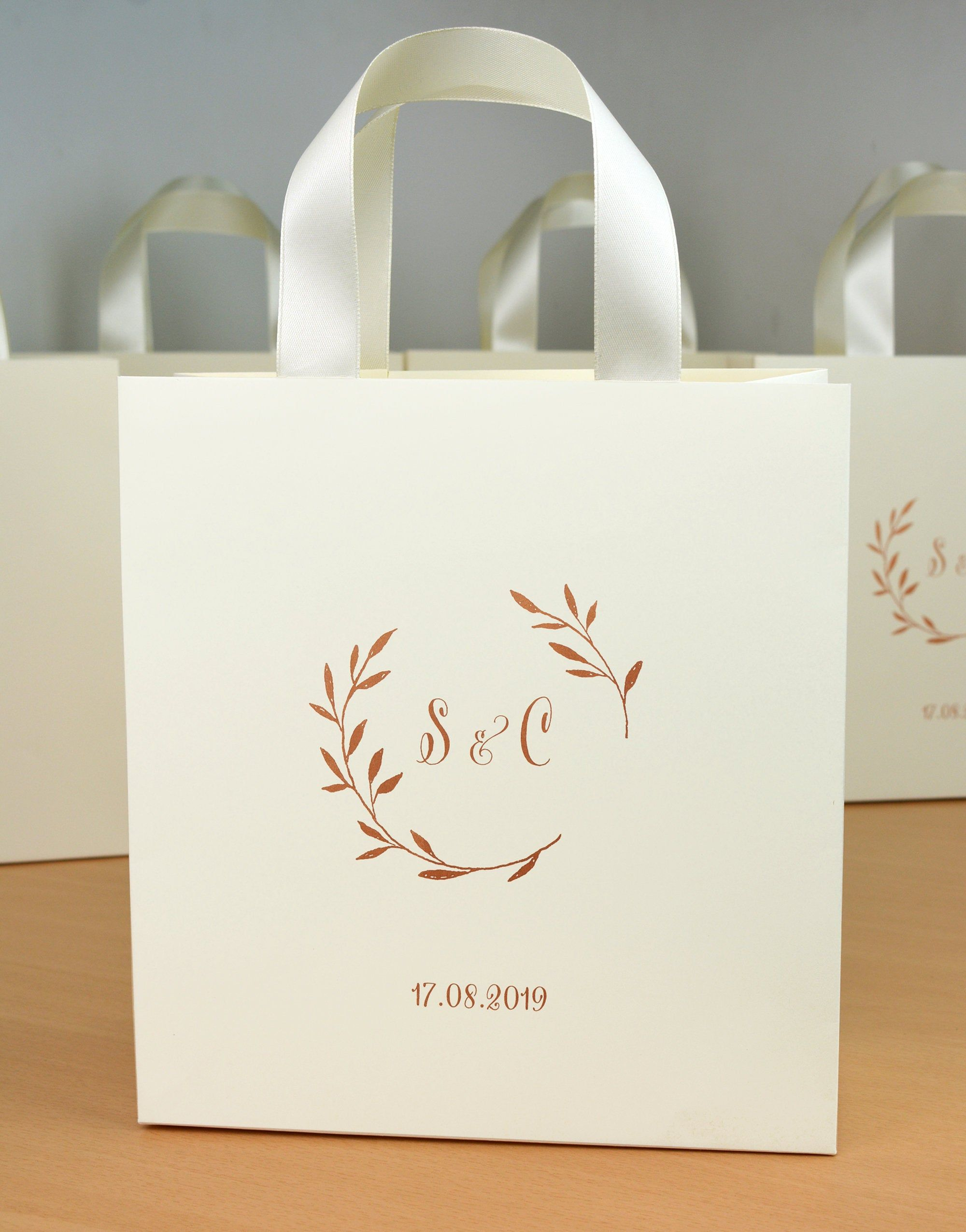 25 Ivory Rose Gold Personalized Wedding Welcome Bags For Etsy Wedding Party Gift Bags Groomsmen Wedding Favors Wedding Gift Bags