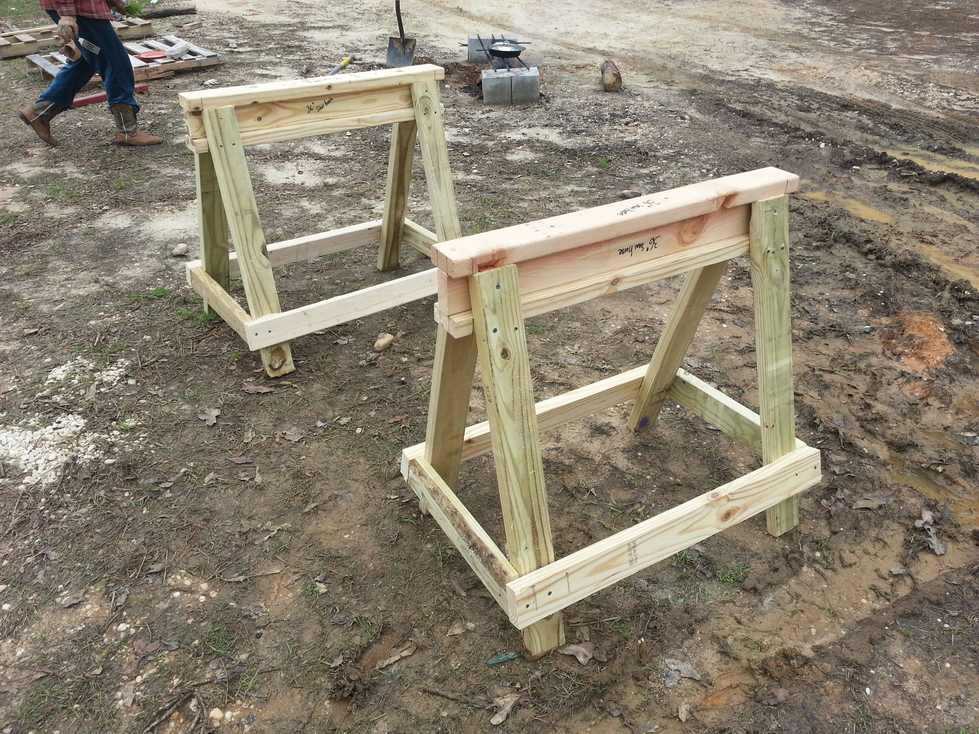 a couple of easy to build saw horses everybody needs a. Black Bedroom Furniture Sets. Home Design Ideas