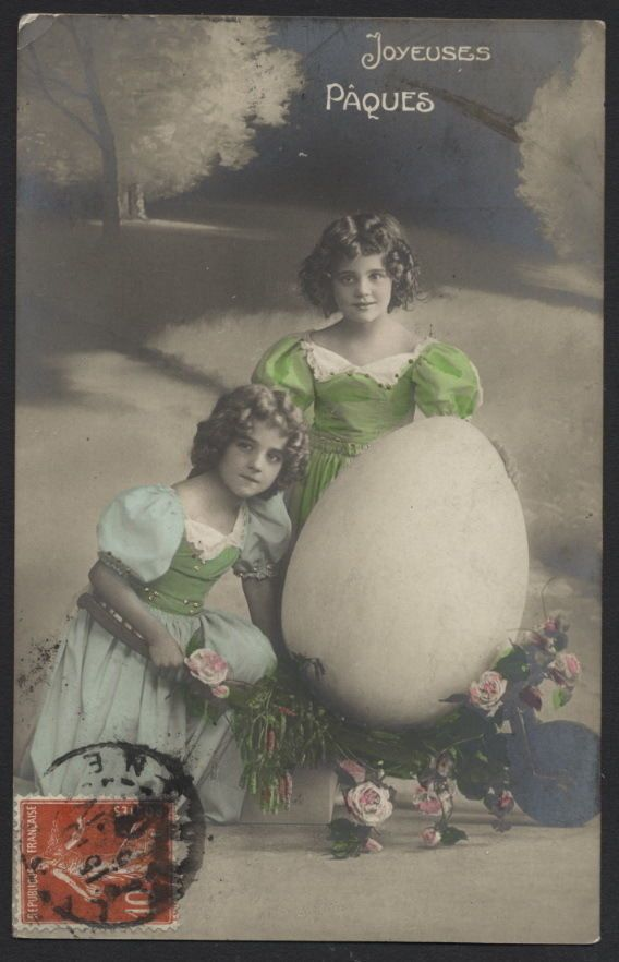 MB1665  FAMOUS MYSTERY MODEL GRETE REINWALD WITH BIG EASTER EGG, PAQUES, HOLIDAY