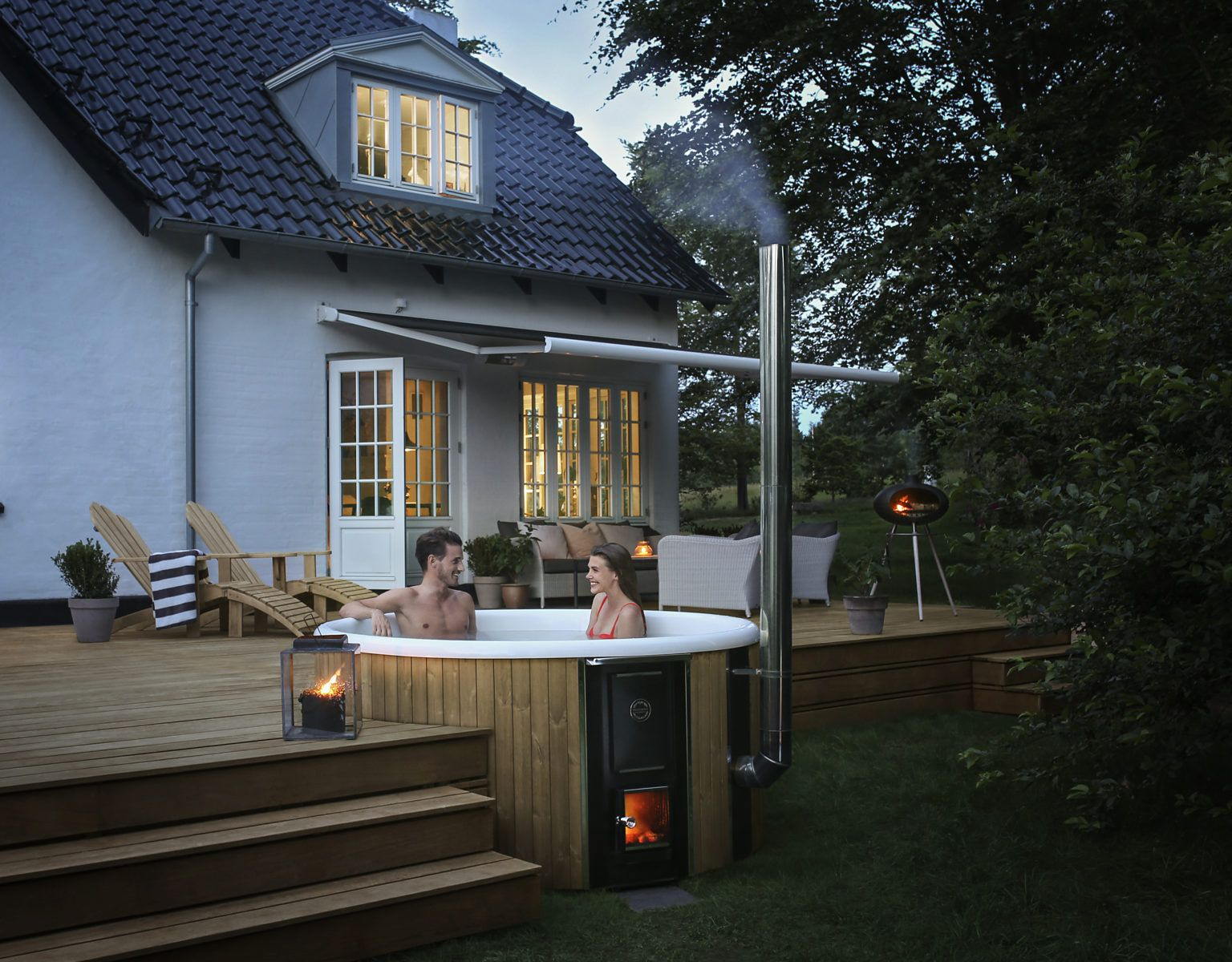 Bring the premium woodfired experience to your garden