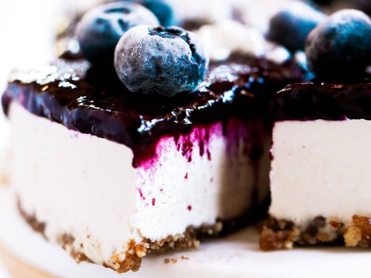 Vegan Blueberry Yogurt Cheesecake | Vegan blueberry, Paleo ...