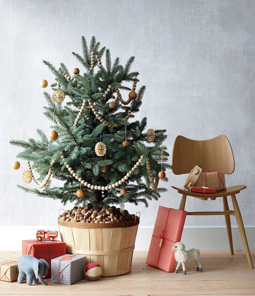 42++ Christmas tree basket skirt ideas ideas in 2021