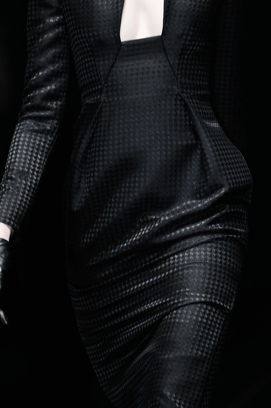 BLACK CLOTHES