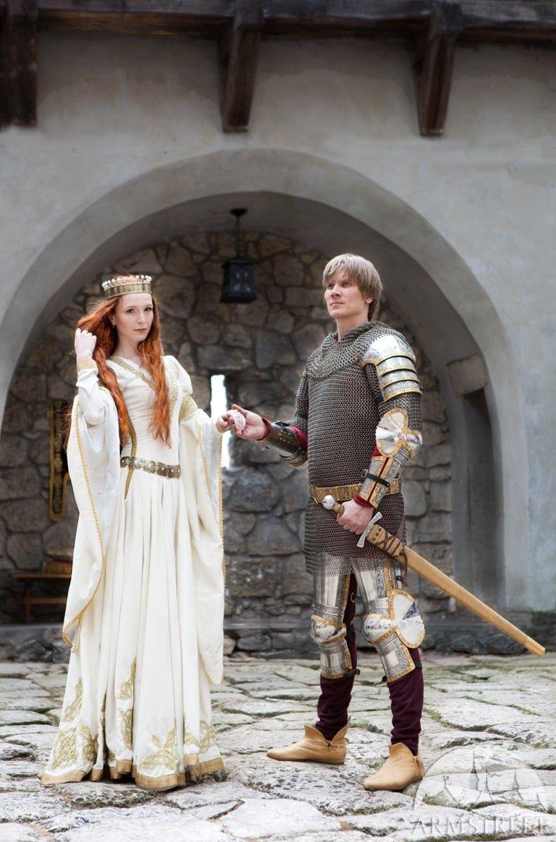 21 Discount The Accolade Wedding Dress White Velvet Bridal Etsy In 2020 Velvet Wedding Dress Medieval Wedding Dress Wedding Dress Long Sleeve [ 1202 x 794 Pixel ]