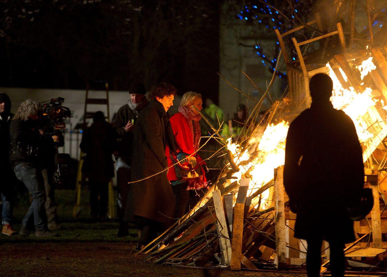 2013 03 26 - Bristol - Portland Square - BBC ' Sherlock ' Season 03 (1500×1075)