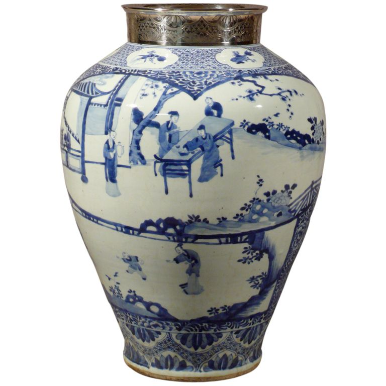 A Large Kangxi Blue Amp White Chinese Porcelain Vase