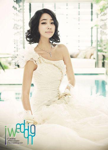 [아이웨딩] 웨딩드레스 - 레노바티오. 다시 태어난 듯 아름다운 신부로 만들어드립니다.