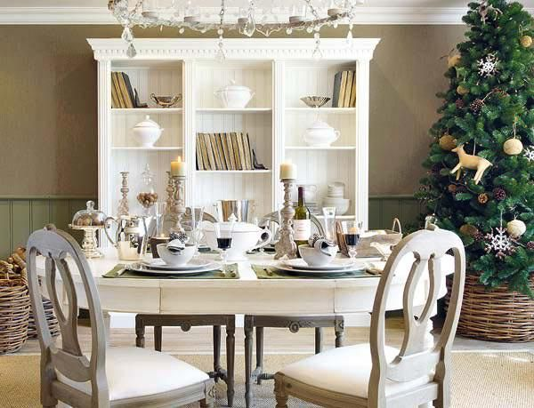 Decorating Tiny Home Interior Office Christmas Decorations Ideas ...