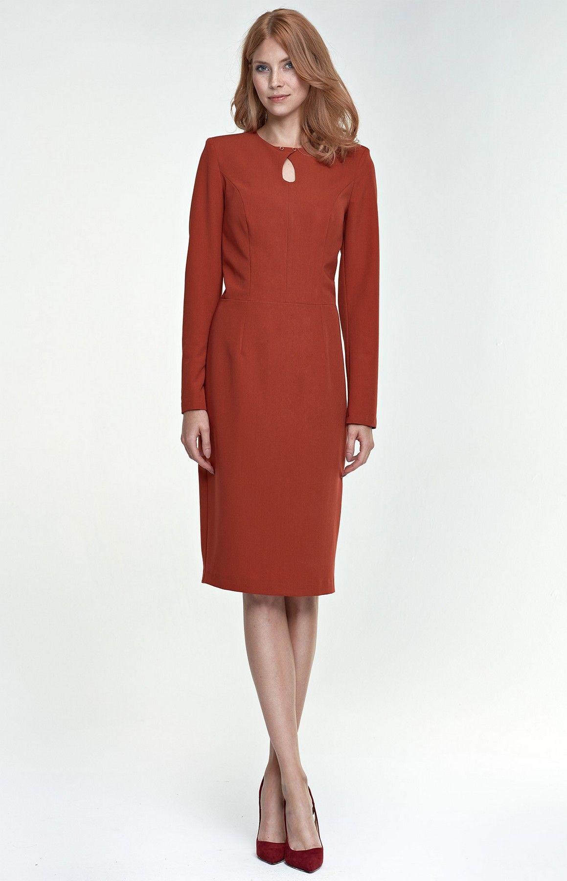 0a4e4b161b5 Une+robe +droite+à+manches+longues+rouille+orange+pour+un+parfait+working+girl+look.
