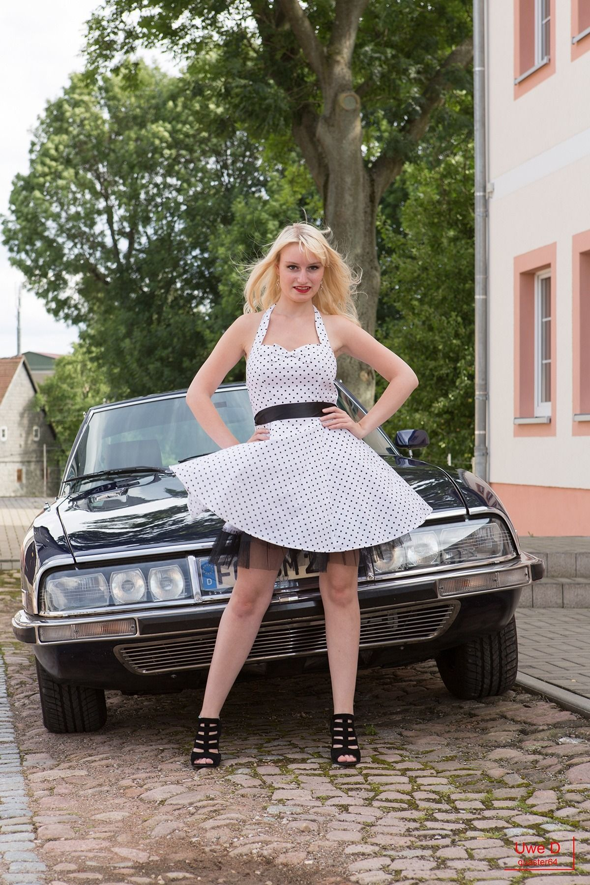 Citroen ladies (With images)   Citroen, Motorcycle girl, Lady