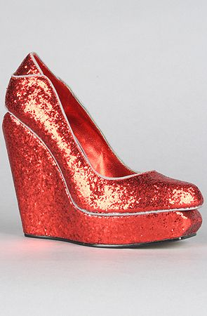 11b924a31f06 Would you wear these? #glitter #wedges | Red shoes | Shoes, Red ...