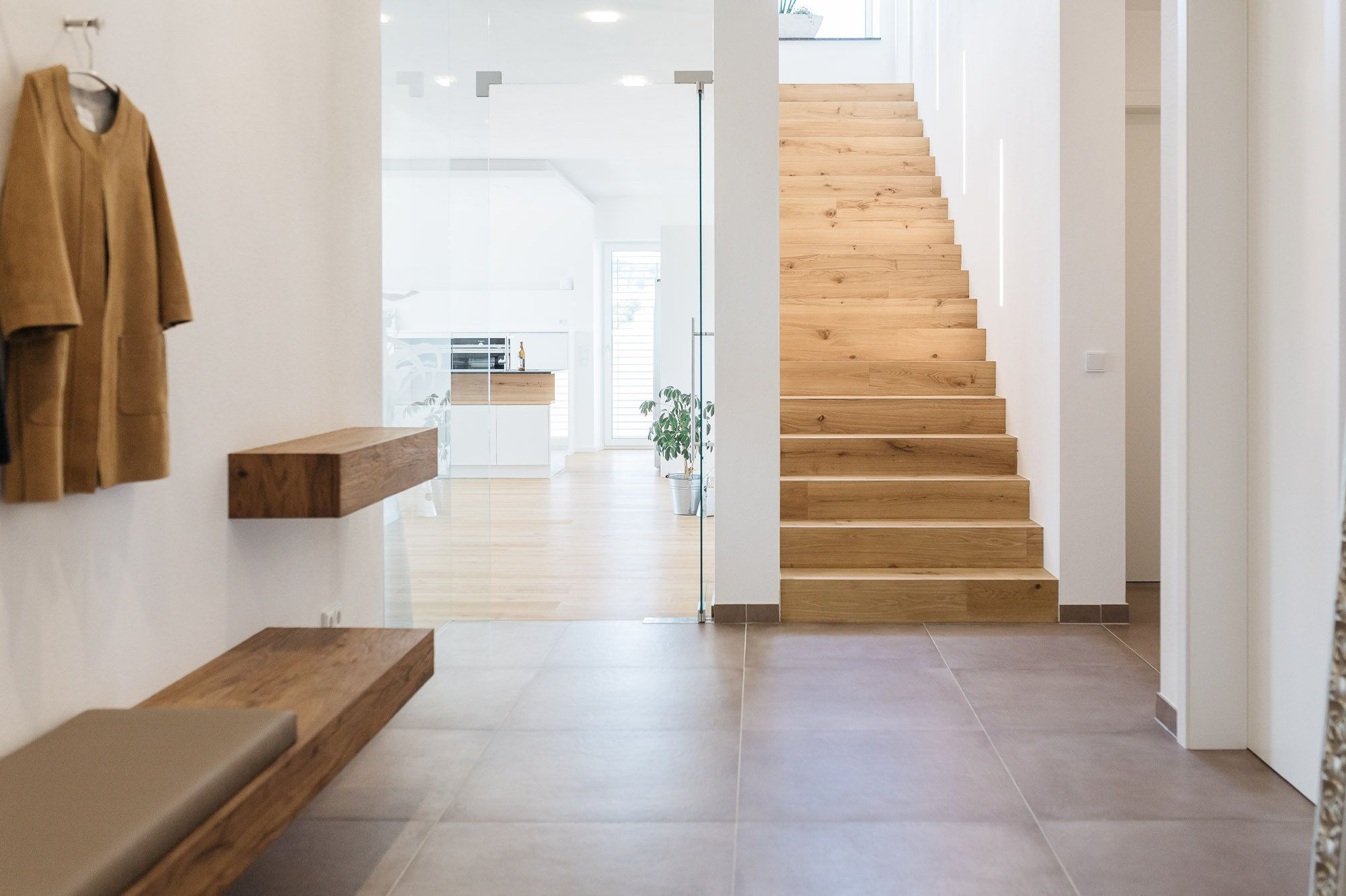 Elegant Eingangsbereich Und Treppe