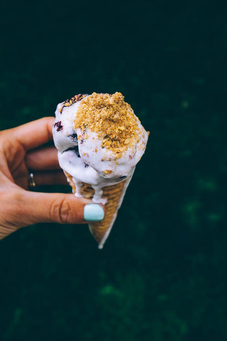 Roasted Blackberry Thyme Ice Cream W A Cornmeal Crumble Ice Cream Vegan Ice Cream Ice Cream Desserts