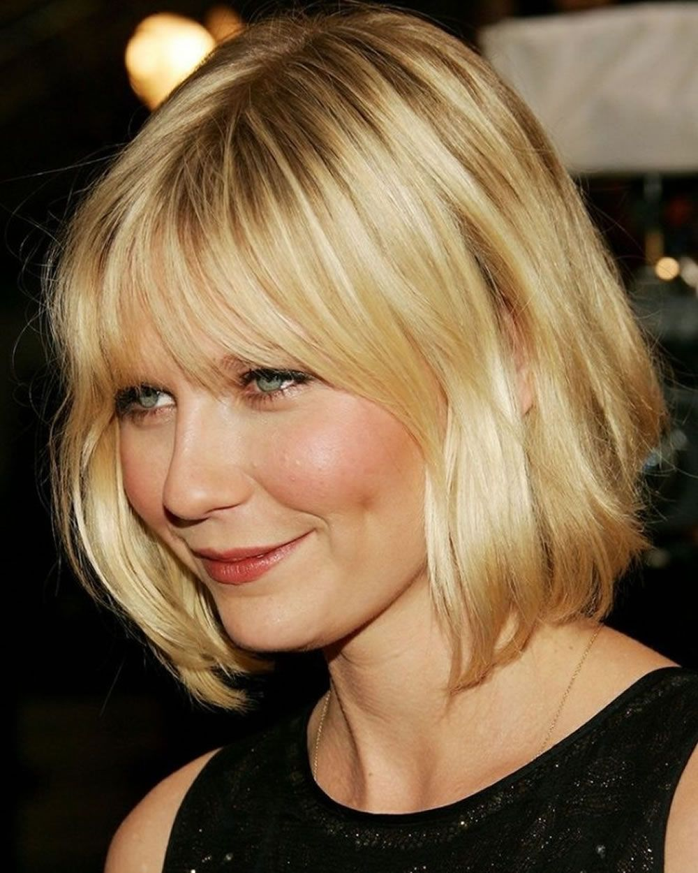 Wavy Short Bob Style For Summer 2020 2021 Short Hair Styles For Round Faces Short Hair Styles Cute Hairstyles For Short Hair