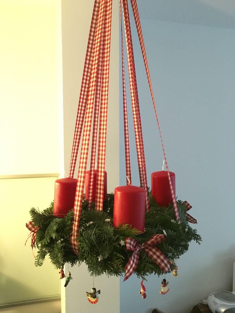 Adventskranz hangend dekorieren europ ische weihnachtstraditionen - Weihnachtsdeko hangend ...