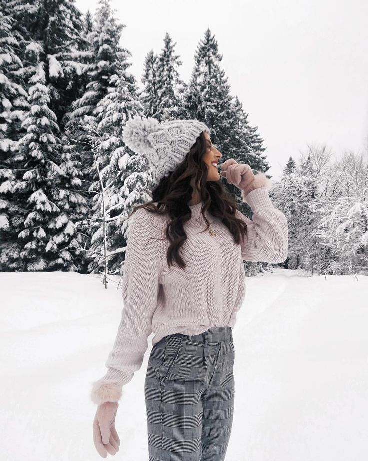 """Photo of Sarah 🦋 on Instagram: """"I still haven't had enough snow pictures! I'm not done with the snow yet, so he can come back very quickly… """""""