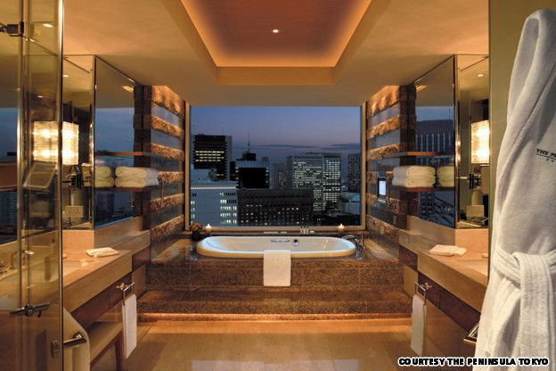 Hibiya suite bath the peninsula tokyo the view is amazing for Design hotel tokyo