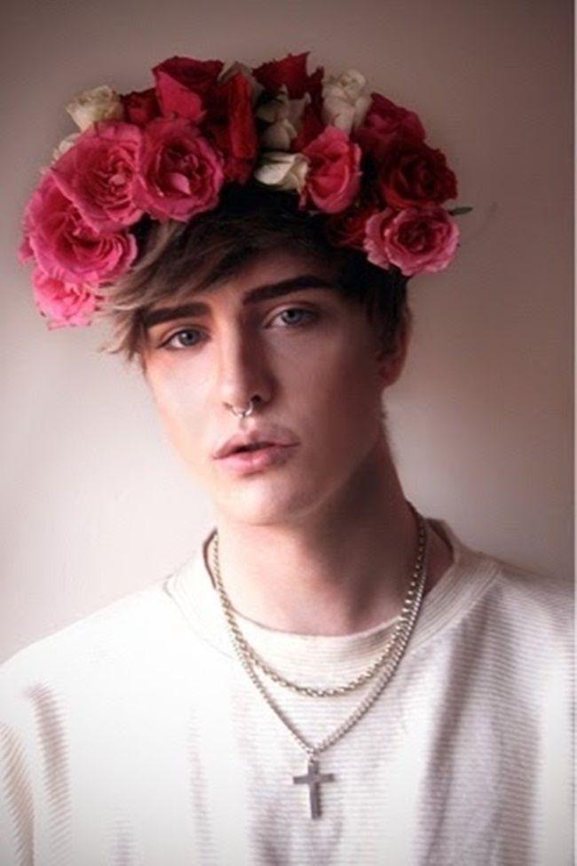 Tema de Hoje : Coroa De Flores.