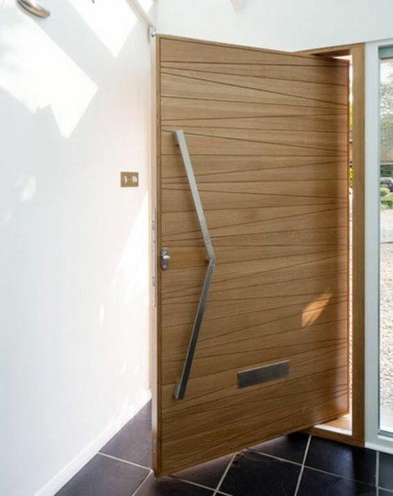 Porte d\u0027entrée en bois poignée metal Entrée Maison Aménagement - choisir une porte d entree
