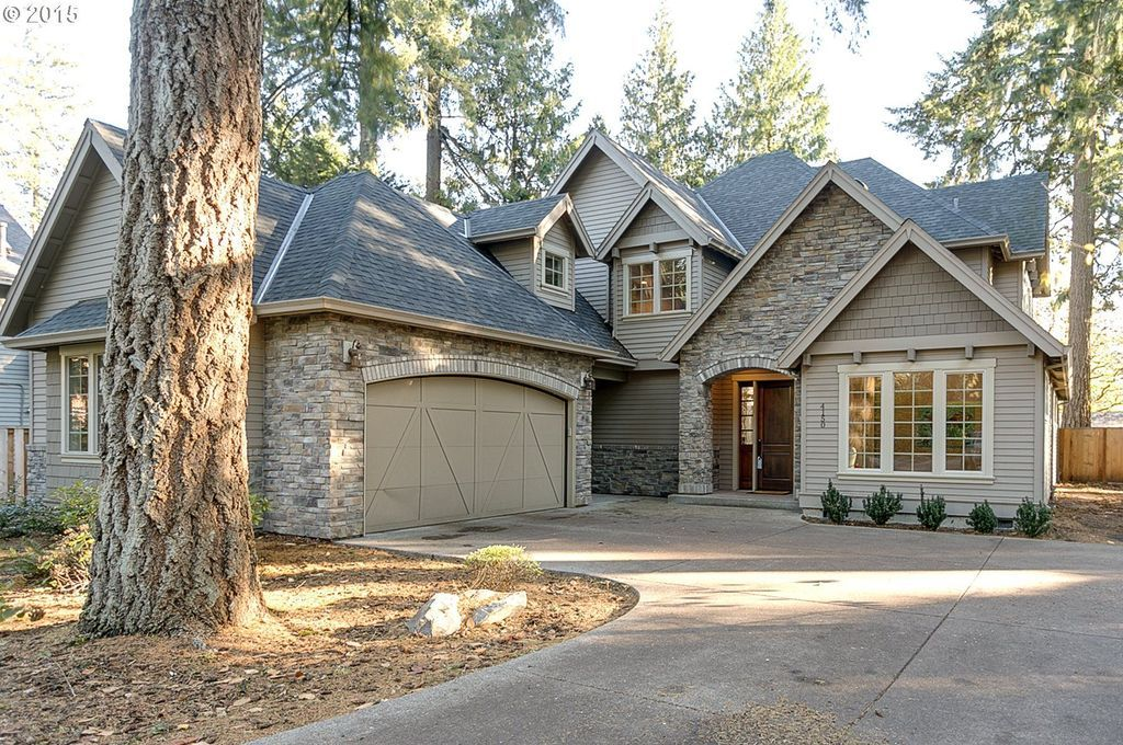 Traditional Exterior of Home with Pathway, Fence, Oakridge Estate Gray Laminate Shingles (32.8 sq. ft. per Bundle)