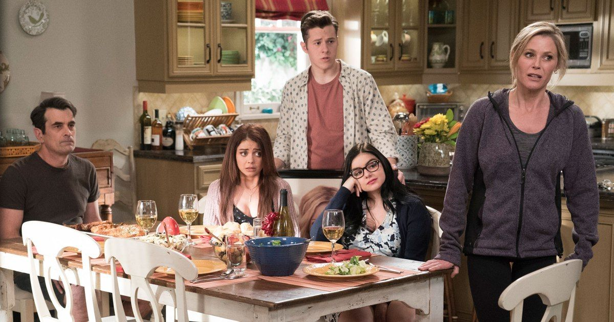 Sarah Hyland Reveals A Bigger Thing Than The Death Is Coming To Modern Family It Was A Shock