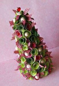 L'albero di Natale fatto con roselline di carta | Eticamente.net