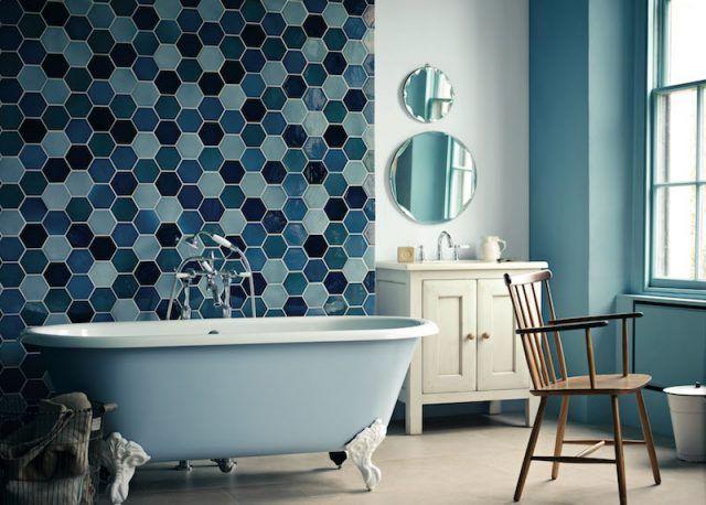 Salle de bain colorée - 55 meubles, carrelage et peinture - salle de bain en bleu