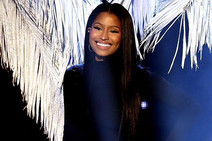 Nicki Minaj cria projeto para ajudar fãs com despesas escolares