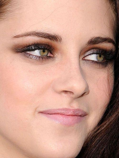 Kristen Stewarts Awsome Eye Color Kristen Stewart Eyes