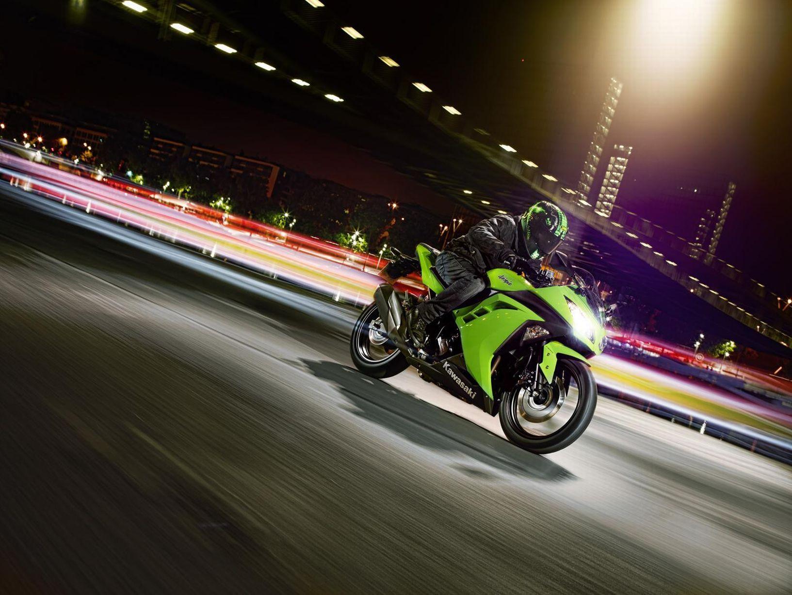Pin Oleh Vj Alvin Di Bikers Yamaha Kawasaki Honda Kawasaki Ninja 300 Kawasaki Ninja Kawasaki Ninja 250r