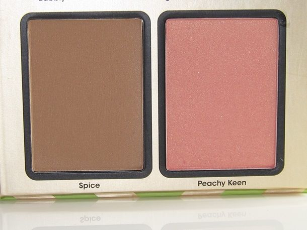 Too Faced Be Merry & Bright: Peachy Keen Blush