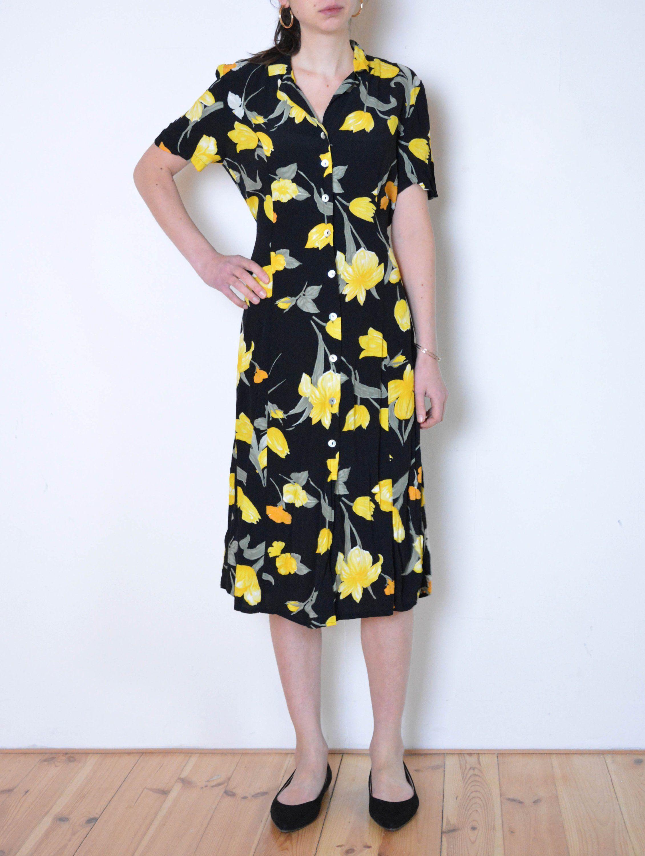 90 S Yellow Flowers Dress Black Buttoned Up Midi Dress Etsy Vintage Summer Dresses Dresses Flower Dresses [ 3000 x 2260 Pixel ]