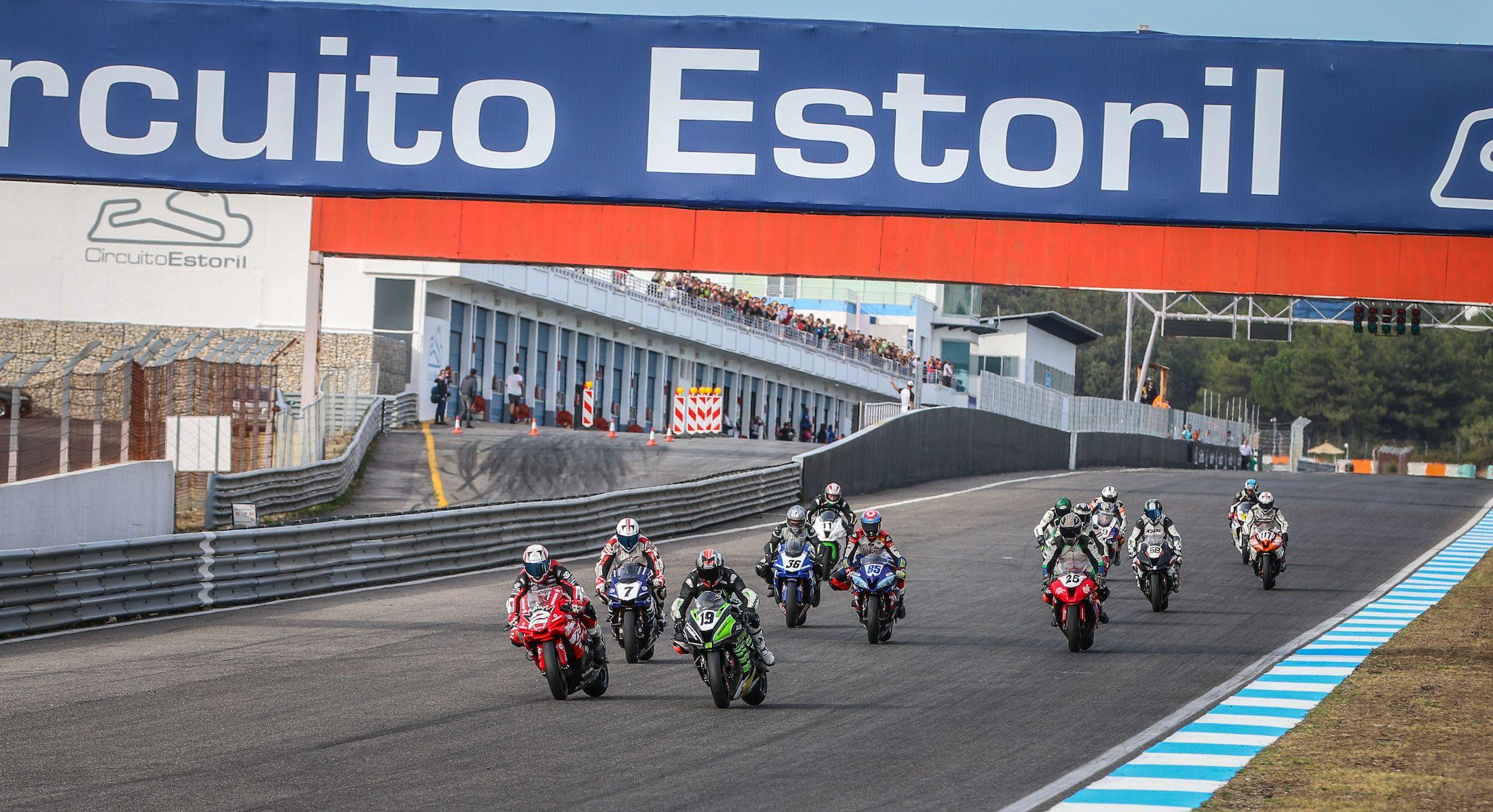 3 Horas Estoril Resistência abre temporadahttp://www.motorcyclesports.pt/3-horas-estoril-resistencia-abre-temporada/