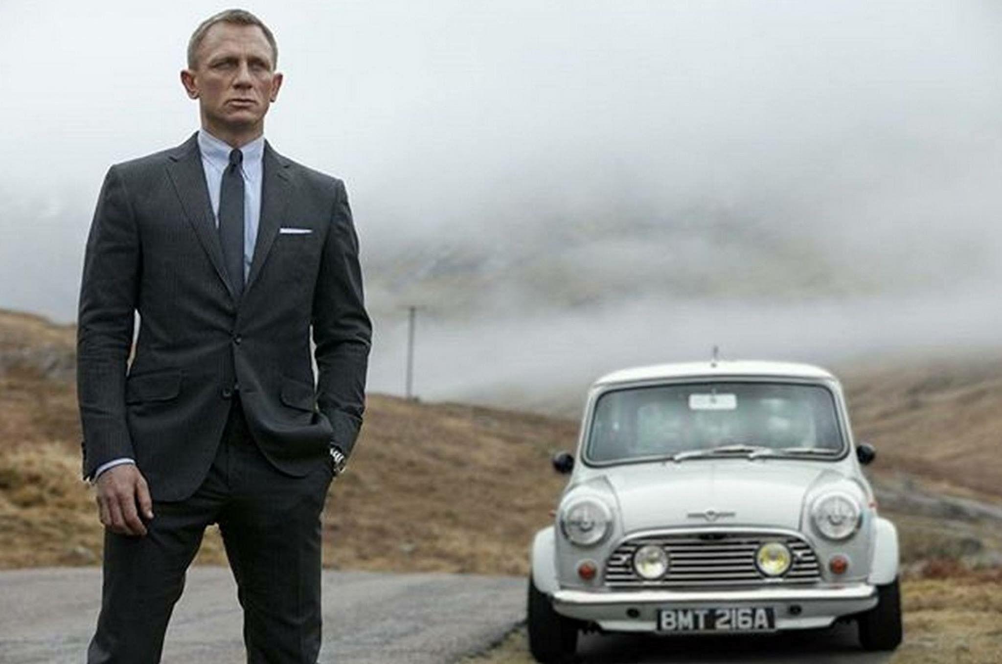 Pin By Indfumi On Classic Mini Daniel Craig James Bond James Bond