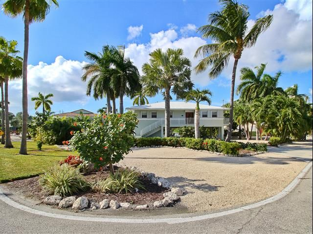 181 12Th Street | Florida keys vacation rentals, Screened ...