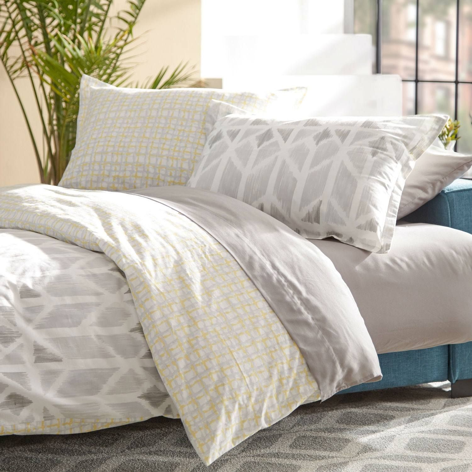 full queen size 100 cotton comforter set in yellow light grey white check pattern products. Black Bedroom Furniture Sets. Home Design Ideas