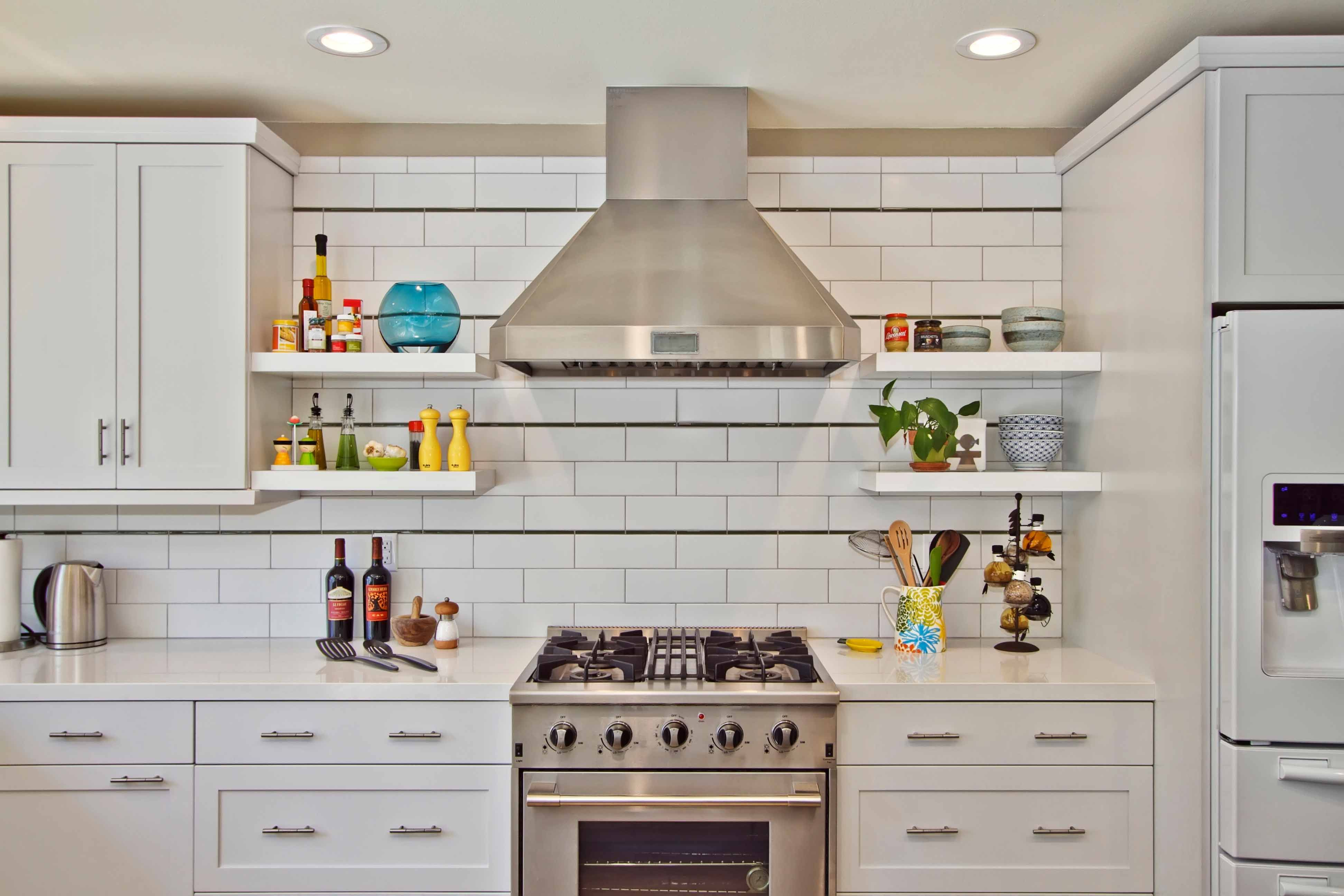 rustic modern kitchen with horizontal tile backsplash cook it up rh pinterest com Horizontal Glass Tile Backsplash Stone Tile Backsplash