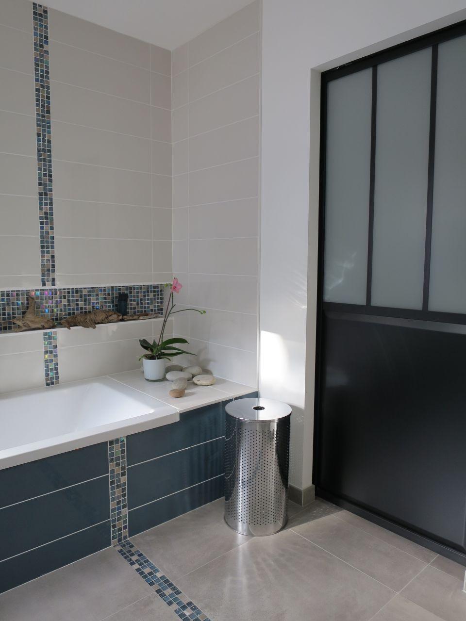 Recouvrir Frise Carrelage Salle De Bain frise au sol et au mur | salle de bains frise, aménagement