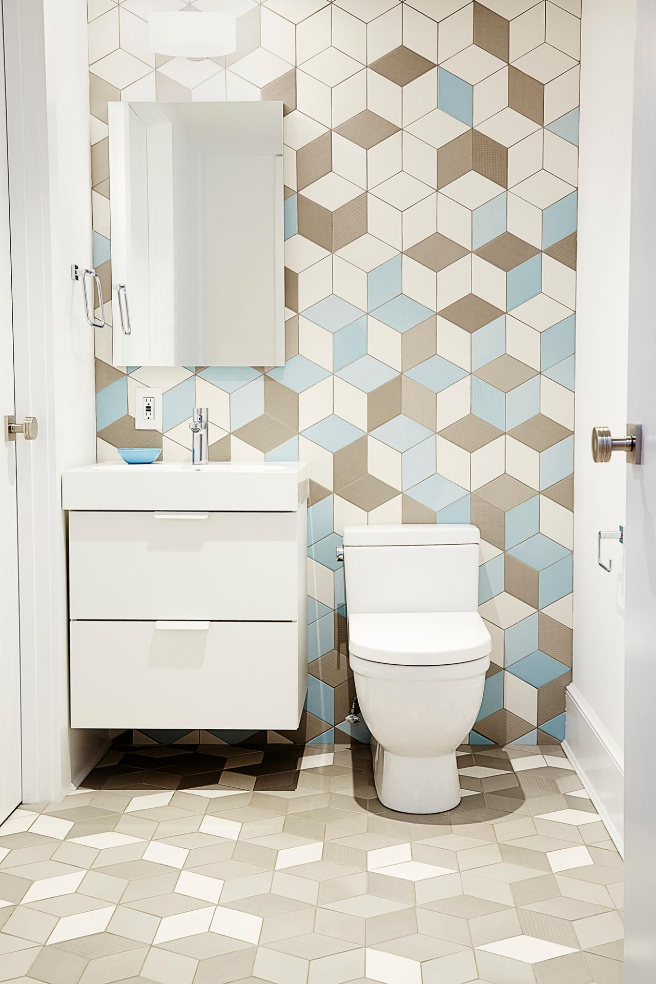 10 Design Trends To Get Obsessed With In 2016 According To Pinterest Geometric Tiles Bathroom Modern Bathroom Tile Bathroom Tile Designs