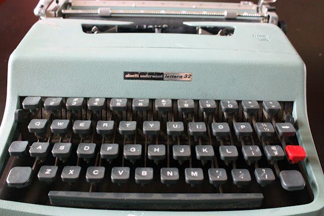 a 70's typewriter